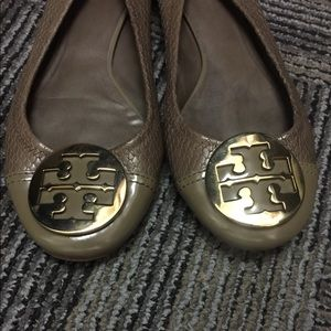 TORY BURCH Authentic preowned SIZE 9 snake pattern